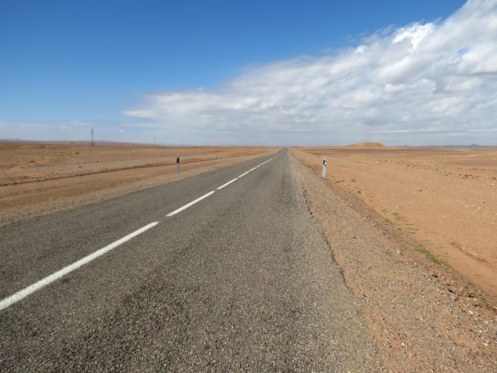 Auf dem Weg ins Nirgendwo... oder besser gesagt in die Wüste!