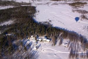 Lappland im Winter Heißluftballon