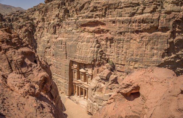 Jordanien Rundreise Urlaub Felsenstadt Petra Schatzhaus von oben