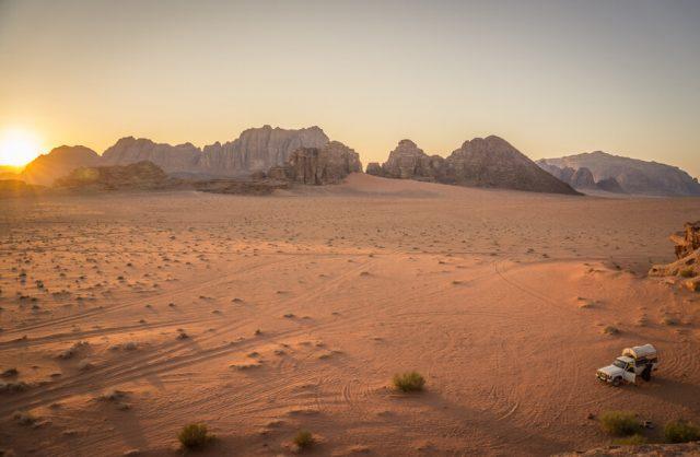 Jordanien Rundreise Urlaub Wadi Rum Jeeptour Sonnenuntergang
