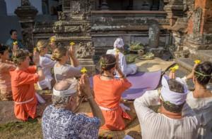 Yoga Retreat Bali Ubud Zeremonie