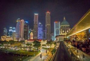 Singapur Sehenswuerdigkeiten Smoke and Mirror Cocktailbar