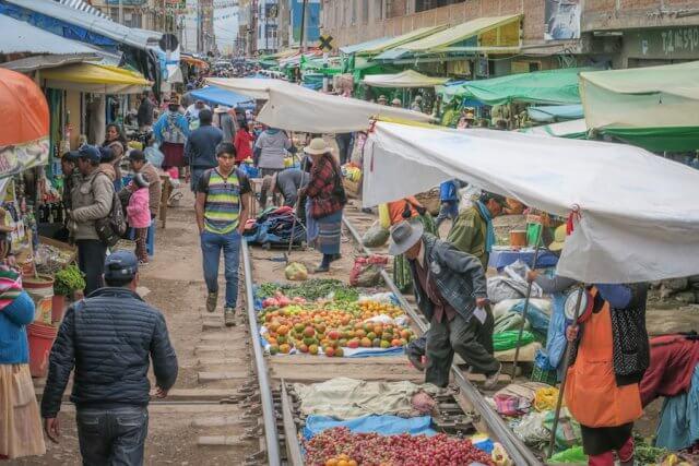 Cusco_Rainbow Mountain Andean Explorer Juliaca Markt