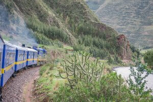 Cusco_Rainbow Mountain Andean Explorer Zug
