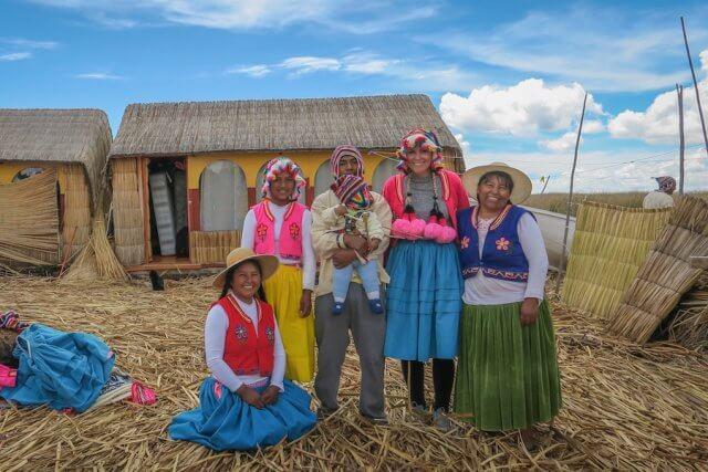 La Paz Titikakasee Uros Titikaka Lodge Familie