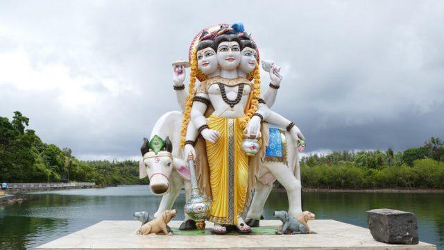 Mauritius Sehenswuerdigkeiten Hindutempel Ganga Talao Grand Bassin