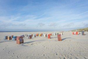 Insel Juist Nordsee Strandkoerbe