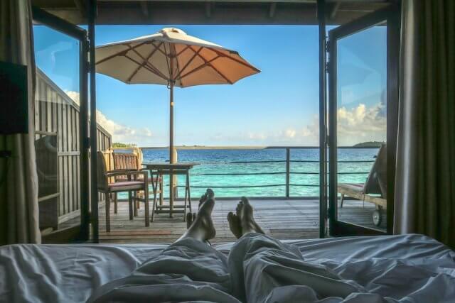 Malediven Inseln Reethi Beach Wasserbungalow Schlafzimmer