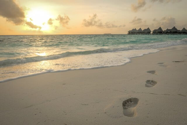 Malediven Reise Coco Palm Dhuni Sonnenuntergang