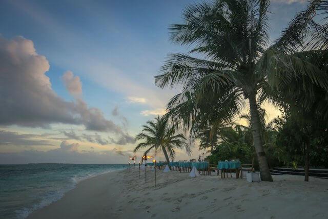 Malediven Reise Coco Palm Dhuni Beach BBQ