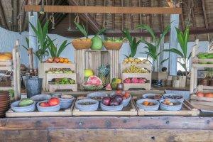 Malediven Urlaub Gili Lankanfushi Frühstück Obst