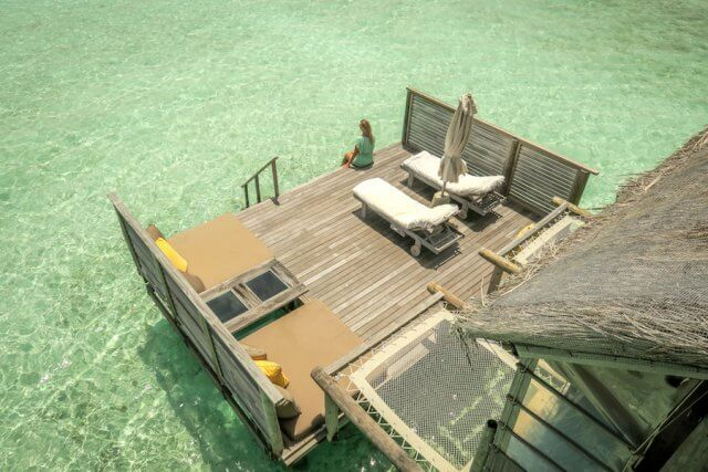 Malediven Urlaub Gili Lankanfushi Villa Terrasse