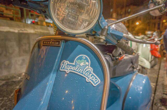 Italien Neapel Vespa Tour