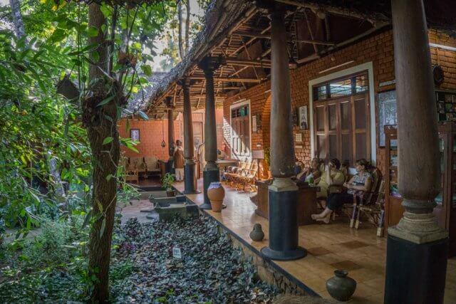 Kerala Ayurveda Kur Suedindien
