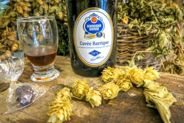 Ausflugsziele Bayern Hallertau Hopfengarten Cuvee Barique Bier