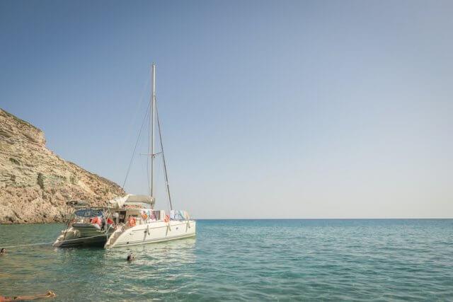 Kykladeninsel Milos Katameran segeln Milos Adventures