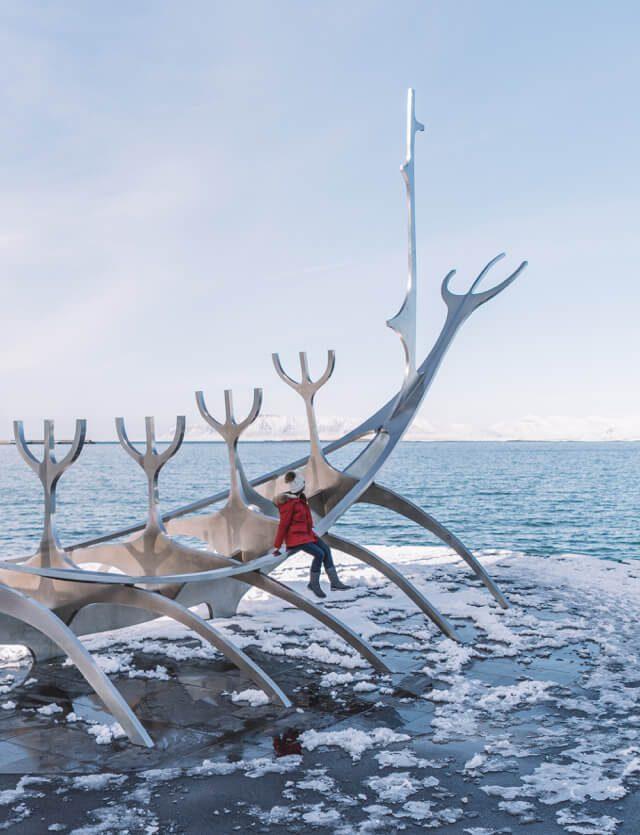 Island Rundreise Reykjavik Wikingerschiff Skulptur