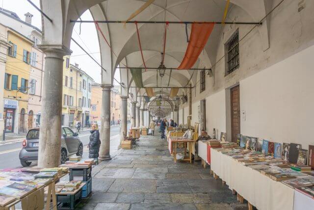 Norditalien Parma Kulinarisch Antiquitaeten Markt