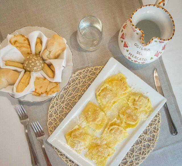 Norditalien Parma Kulinarisch Tortelli