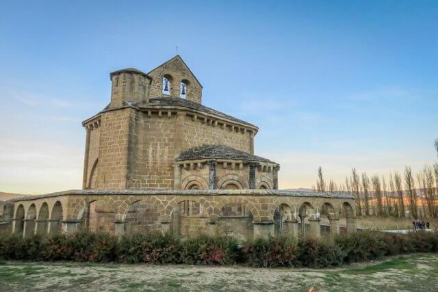 Navarra Spanien Eunate Kapelle Jakobsweg Pilgern