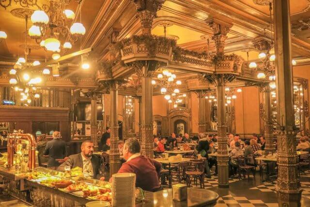 Navarra Spanien Pamplona Iruna Cafe Hemingway