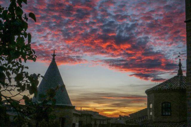 Navarra Spanien Palacio de Olite Sonneuntergang