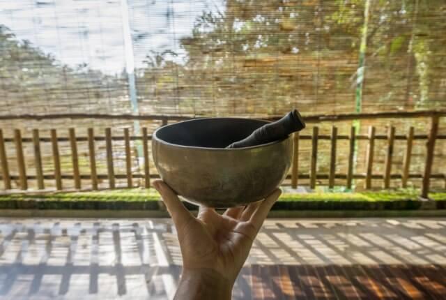 Oneworld Ayurveda Bali Panchakarma Ubud Klangschale