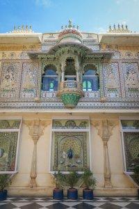 Indien Reisen Udaipur Royale Palace Pfauenhof