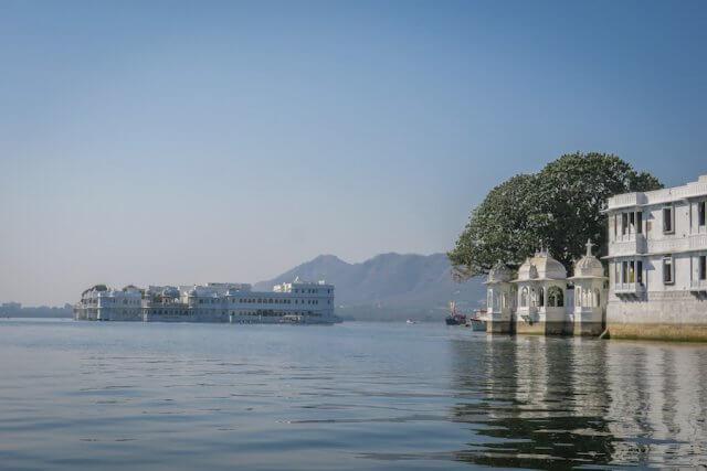 Indien Reisen Udaipur Palast Bootsfahrt Lake Pichola