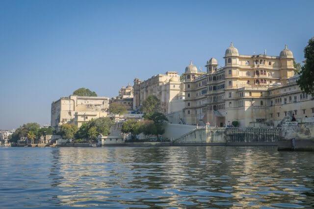 Indien Reisen Udaipur Palast Bootsfahrt