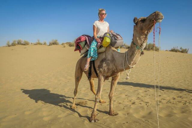 Rajasthan Rundreise Jaisalmer Kamelreiten