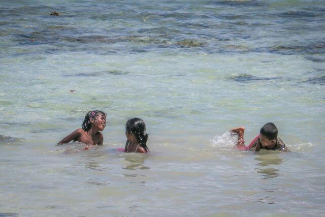 Andamanen Inseln Tauchen Strand Kinder