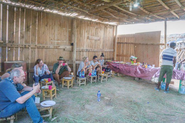 Aethiopien Reisen Jeeptour Danakilwüste Camp Frühstück