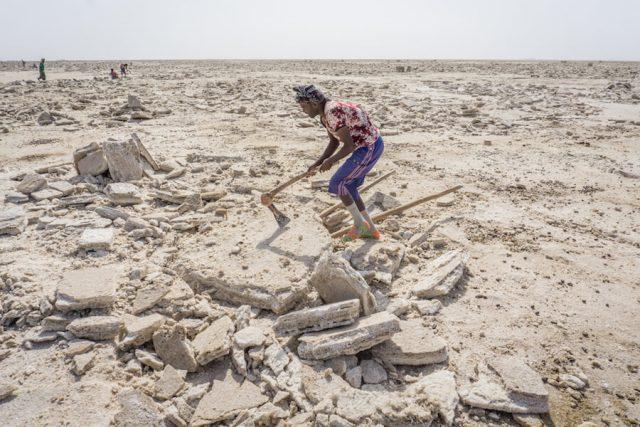 Aethiopien Reisen Jeeptour Danakilwüste Salzabbau