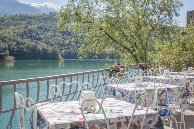 Sehenswuerdigkeiten Gardasee_Trentino_Riva del Garda Restaurant Lago di Toblino
