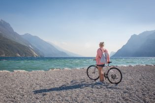 Sehenswuerdigkeiten Gardasee_Trentino_Riva del Garda Fahrradfahren