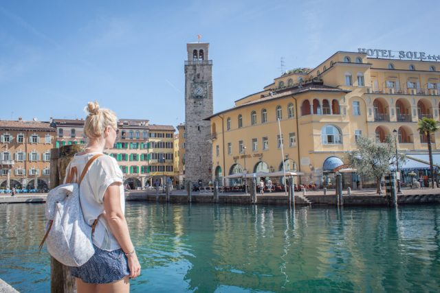 Sehenswuerdigkeiten Gardasee_Trentino_Riva del Garda Promenade