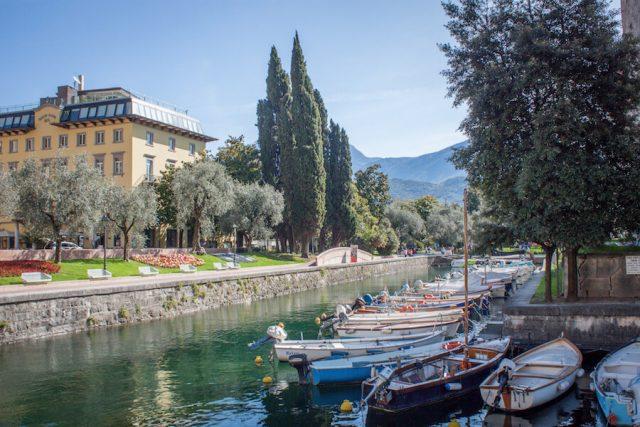 Sehenswuerdigkeiten Gardasee_Trentino_Riva del Garda Boote