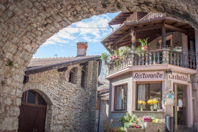 Sehenswuerdigkeiten Gardasee_Trentino_Riva del Garda Tenno Altstadt