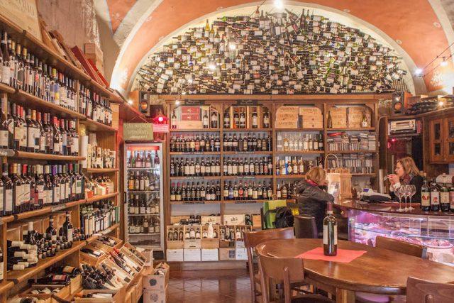 Toskana Italien Pomarance Volterra Wein Weintasting