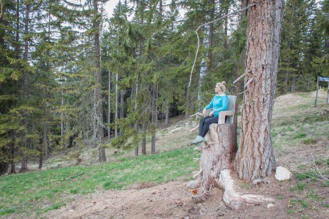 Wellnesshotel Suedtirol_Dolomiten Wandern_Urlaub Suedtirol Cyprianerhof Wanderung Nigerpass Holzsitz