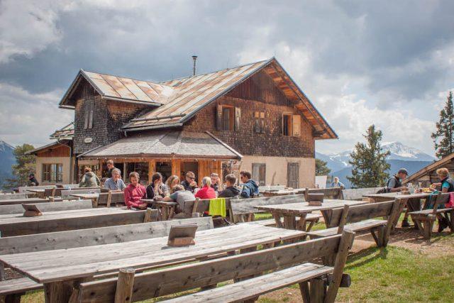 Wellnesshotel Suedtirol_Dolomiten Wandern_Urlaub Suedtirol Cyprianerhof Wanderung Tschafonhuette