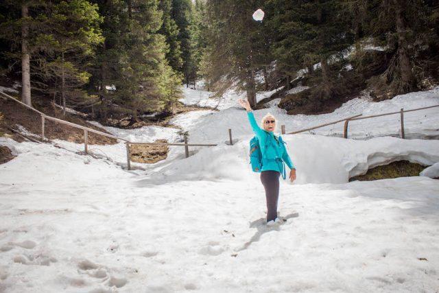 Wellnesshotel Suedtirol_Dolomiten Wandern_Urlaub Suedtirol Cyprianerhof Wanderung Messner Jochhütte Schnee