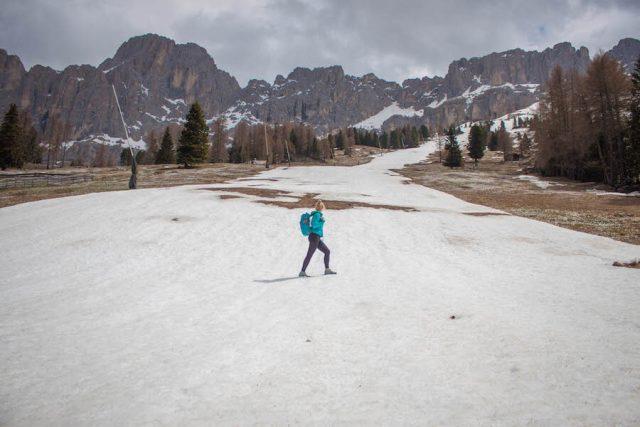 Wellnesshotel Suedtirol_Dolomiten Wandern_Urlaub Suedtirol Cyprianerhof Wanderung Messner Jochhütte Schnee Piste