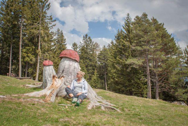 Wellnesshotel Suedtirol_Dolomiten Wandern_Urlaub Suedtirol Cyprianerhof Holzkunst