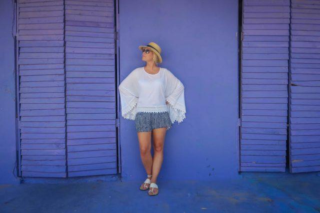 Aruba Urlaub ABC Inseln San Nicolas Streetart lila Haus