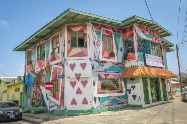 Aruba Urlaub ABC Inseln San Nicolas Streetart Kartenhaus