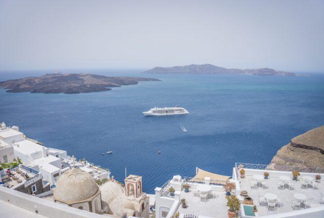 Geheimtipps Santorini Urlaub Kykladeninsel Megalochori Aussicht Fira