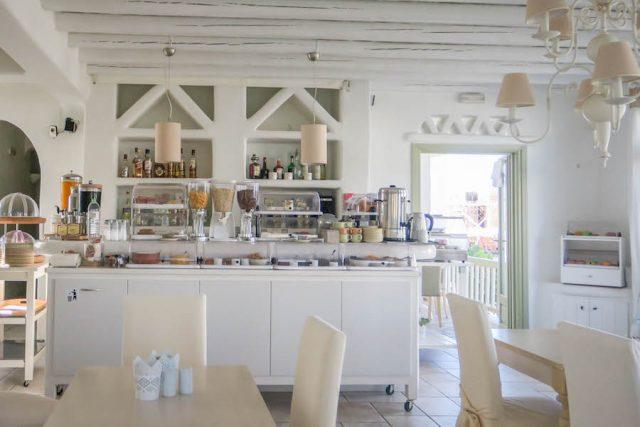 Kykladeninseln Tinos Altana Boutique Hotel Fruehstueck
