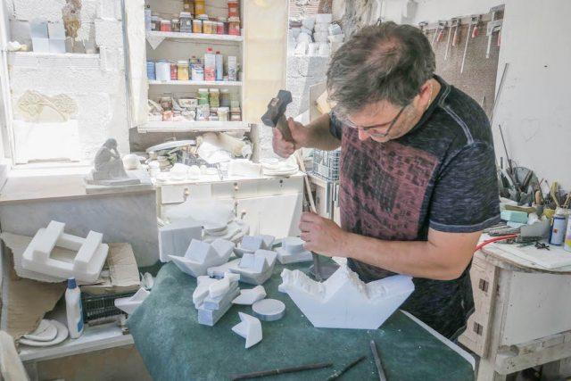 Kykladeninseln Tinos Marmor Pyrgos Peter Marmarinos